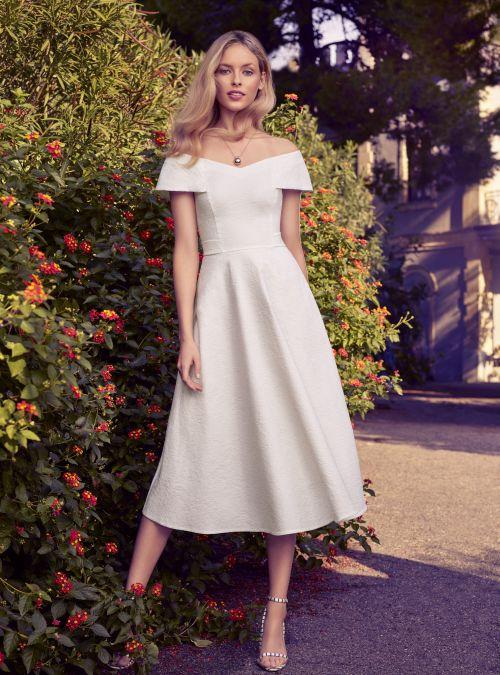 a1f505e192 Cudowne i niezwykle efektowne żakardowe sukienki to nasza propozycja na  wielkie wyjścia. Nie zabraknie też linii Business. Zapraszamy Was do  świata