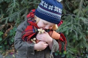 Niania, żłobek, babcia – kto do opieki nad dzieckiem?