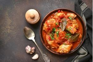 Chachochbili czyli kurczak w pikantnym sosie pomidorowym