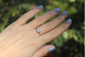 Co to jest manicure tytanowy? Paznokcie tytanowe krok po kroku.