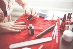 Jak samemu zrobić manicure?