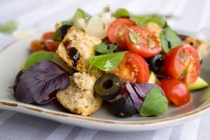 Wegetarianizm, semiwegetarianizm, weganizm – wszystko, co musisz wiedzieć o dietach bezmięsnych