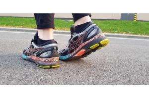 Jak biegać bezpiecznie? W butach ASICS Nimbus LS!