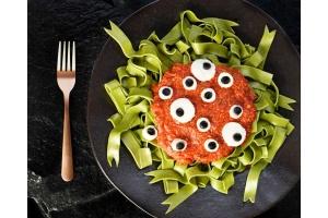 Inspiracja na Halloween: Straszny zielony makaron - przepis kulinarny