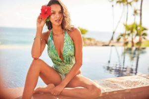 Kostiumy kąpielowe Victoria's Secret – poznaj tegoroczne trendy i nowości.