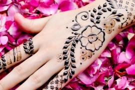 Jak zrobić tatuaż z henny (mehendi)?