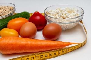 Dieta przy refluksie a kawa z dużą ilością mleka. Czy to błąd żywieniowy?